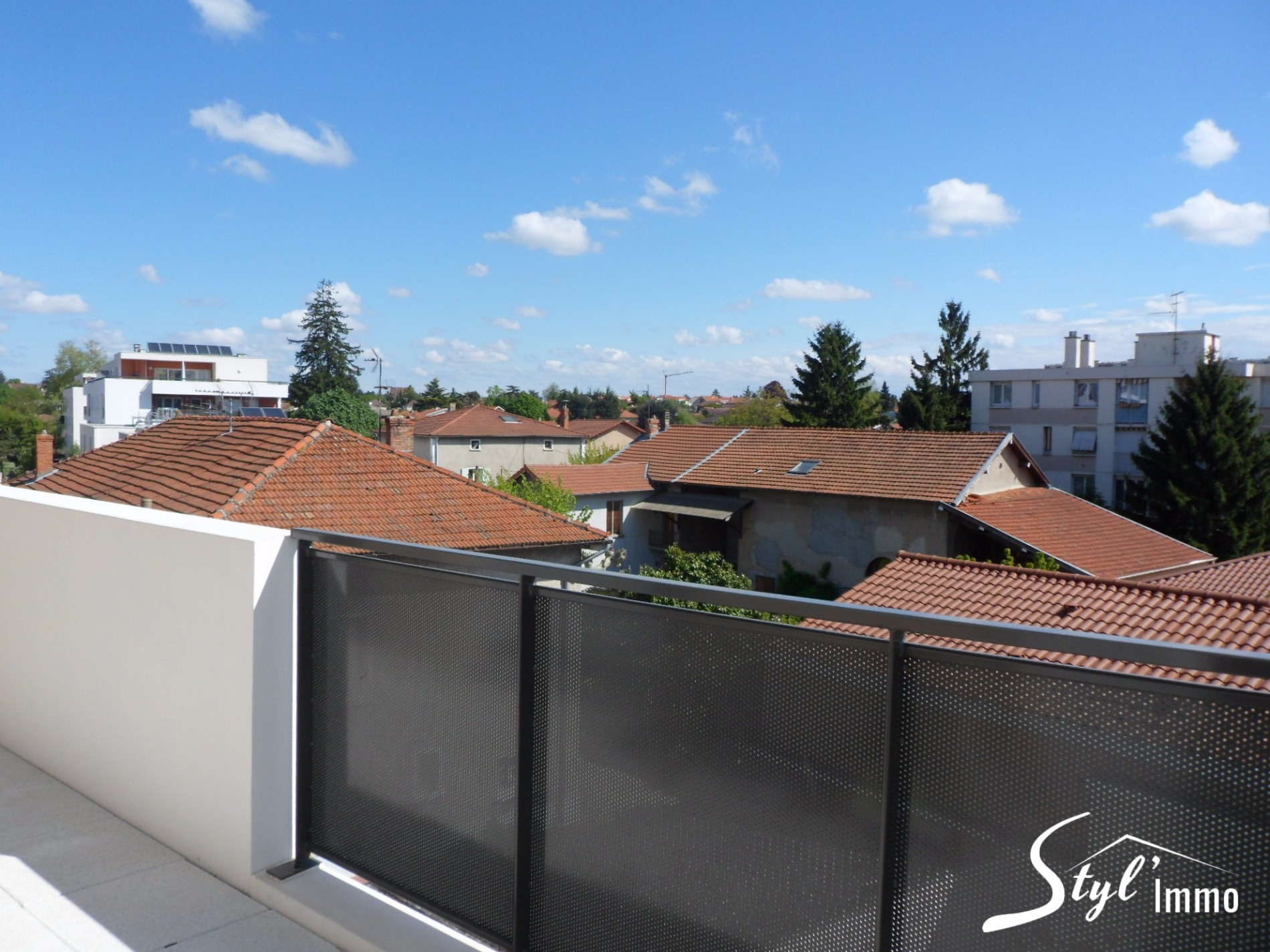 Annonce vente appartement saint priest 69800 82 m for Garage auto saint priest