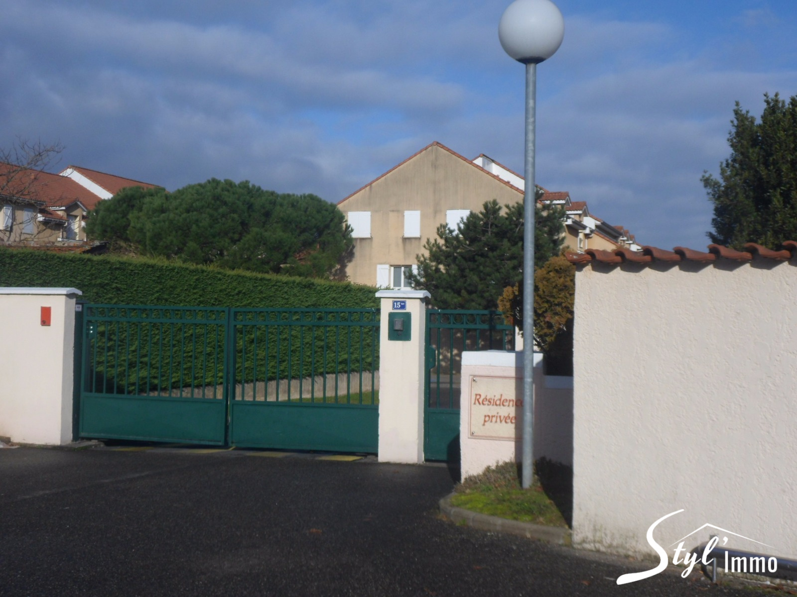 Annonce vente appartement saint priest 69800 76 m for Garage auto saint priest